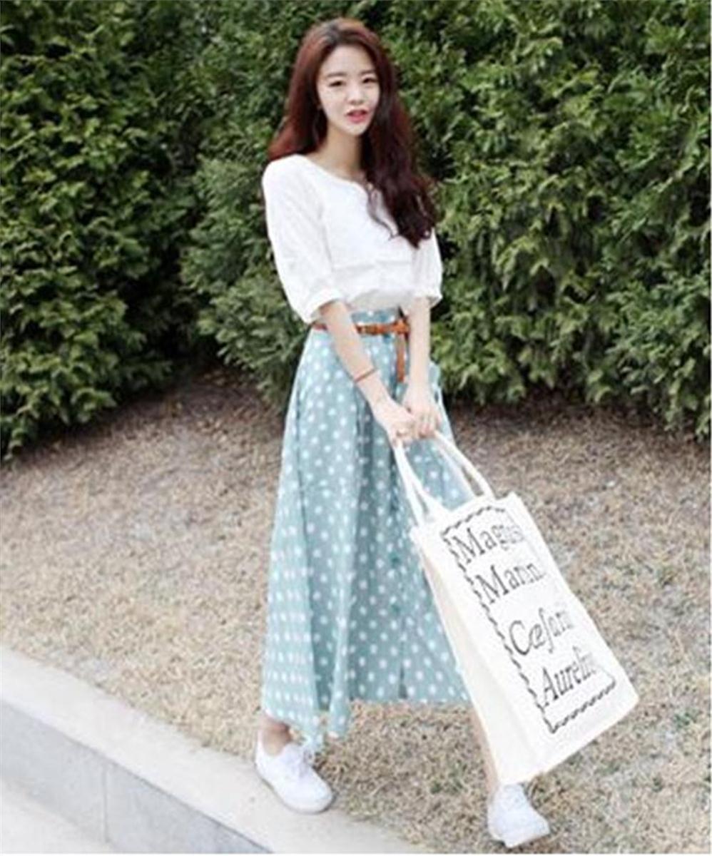 đầm Maxi áo Kiểu Rời Kèm Chân Váy Chấm Bi Nút Cài Kèm Nịch Da